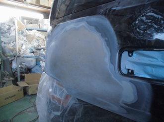 スズキワゴンR バックドア鈑金塗装画像2