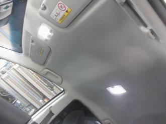 トヨタアクア 社外サンルーフ取り付け画像2