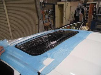 トヨタアクア 社外サンルーフ取り付け画像6