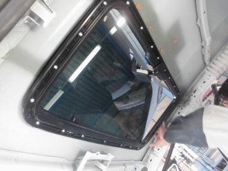 トヨタアクア 社外サンルーフ取り付け画像7