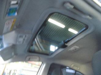 トヨタアクア 社外サンルーフ取り付け画像10